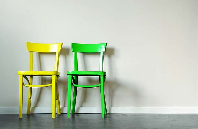 Upcycling: Möbel lackieren