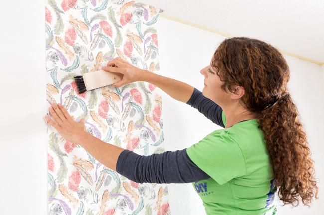 tapezieren mit der miss do it yourself. Black Bedroom Furniture Sets. Home Design Ideas