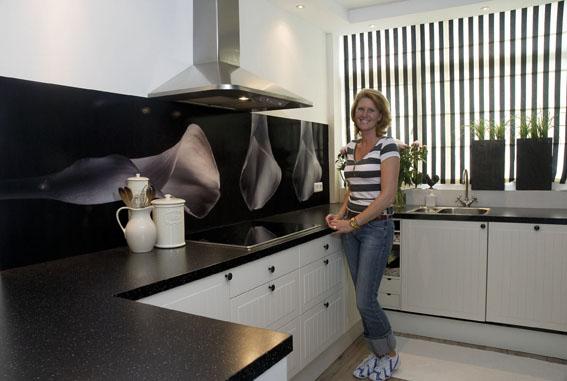 dekorative k chenr ckw nde f r die selbstmontage. Black Bedroom Furniture Sets. Home Design Ideas