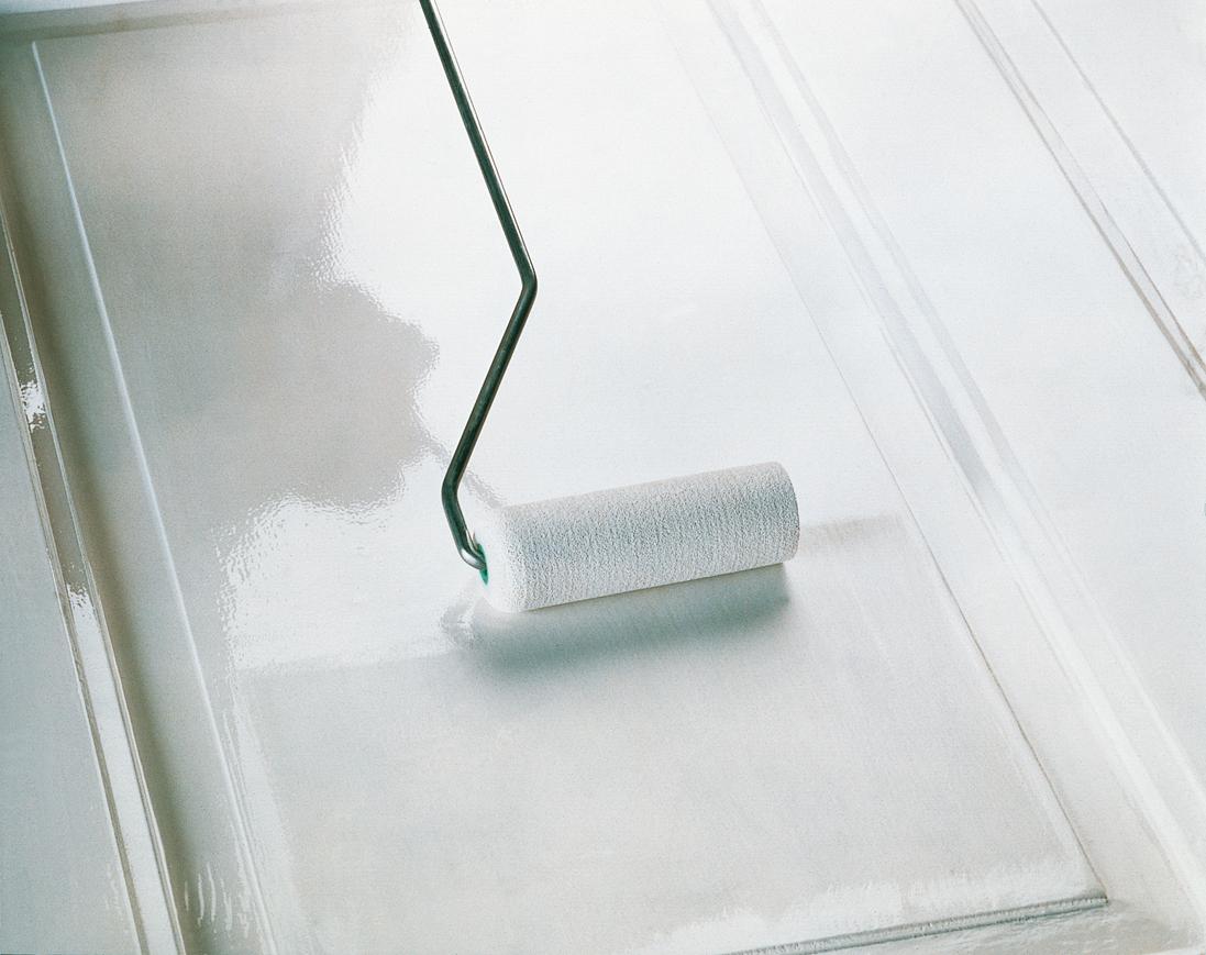 holztren streichen finest tren with holztren streichen foto alpina farben einer holztr with. Black Bedroom Furniture Sets. Home Design Ideas