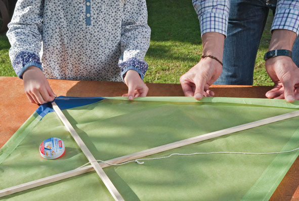 Herbstdeko Basteln Drachen : Papier-Drachen bauen
