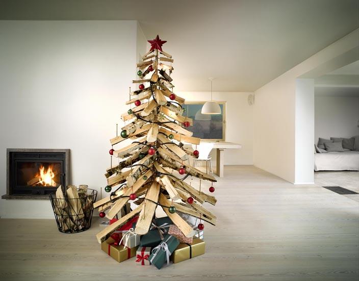 weihnachtsbaum aus holzscheiten diy academy. Black Bedroom Furniture Sets. Home Design Ideas