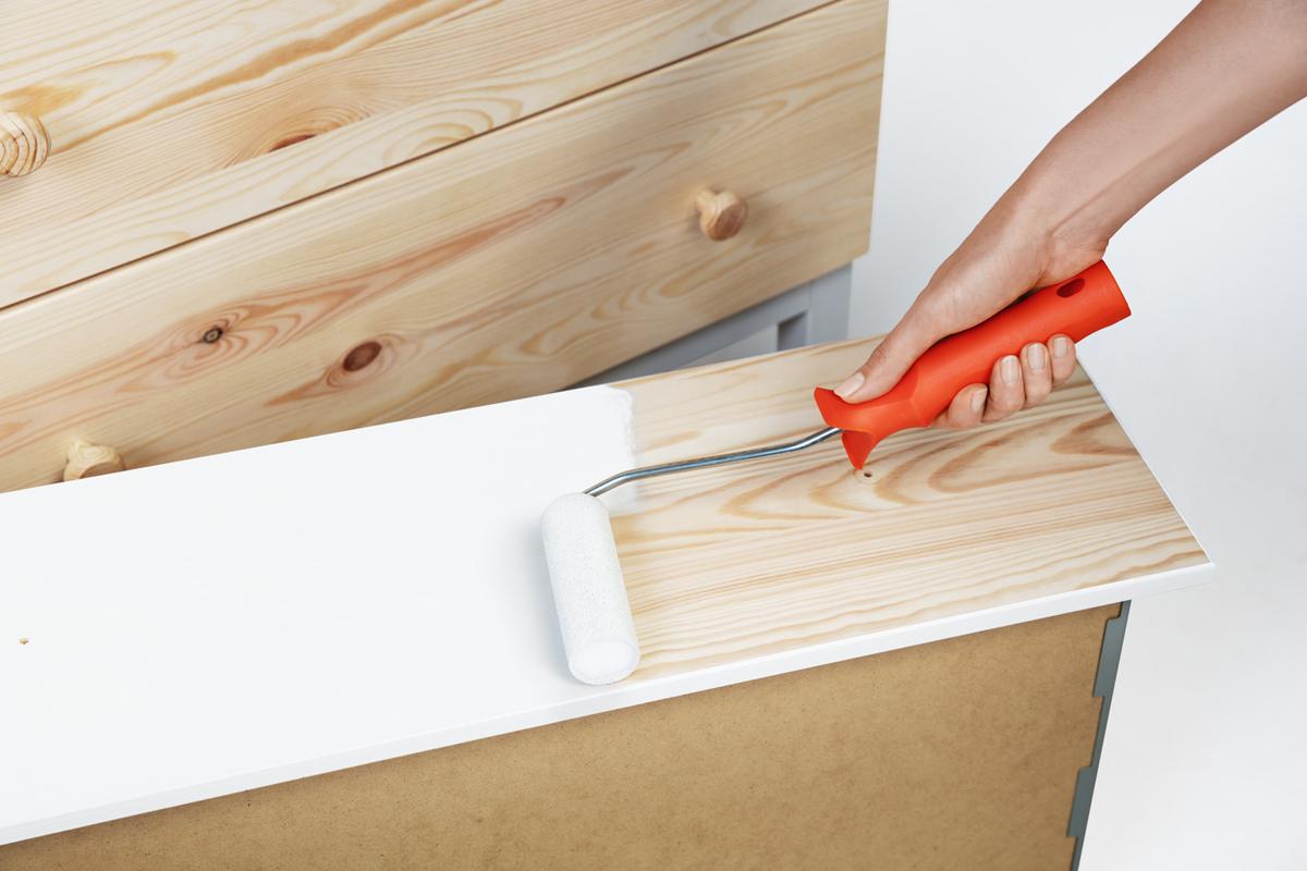 upcycling kommode lackieren diy academy. Black Bedroom Furniture Sets. Home Design Ideas