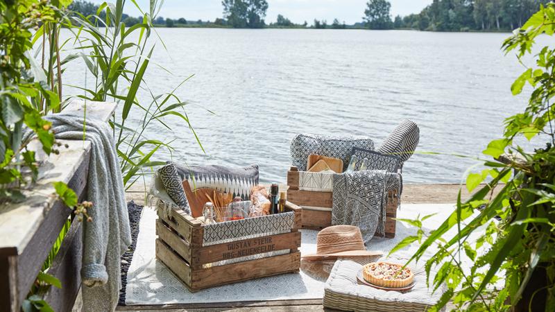 upcycling f rs gr ne diy picknickkorb aus obstkiste. Black Bedroom Furniture Sets. Home Design Ideas